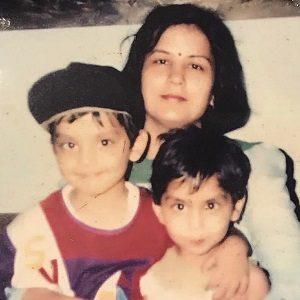 childhood-photo-of-himansh-and-disha-kohli
