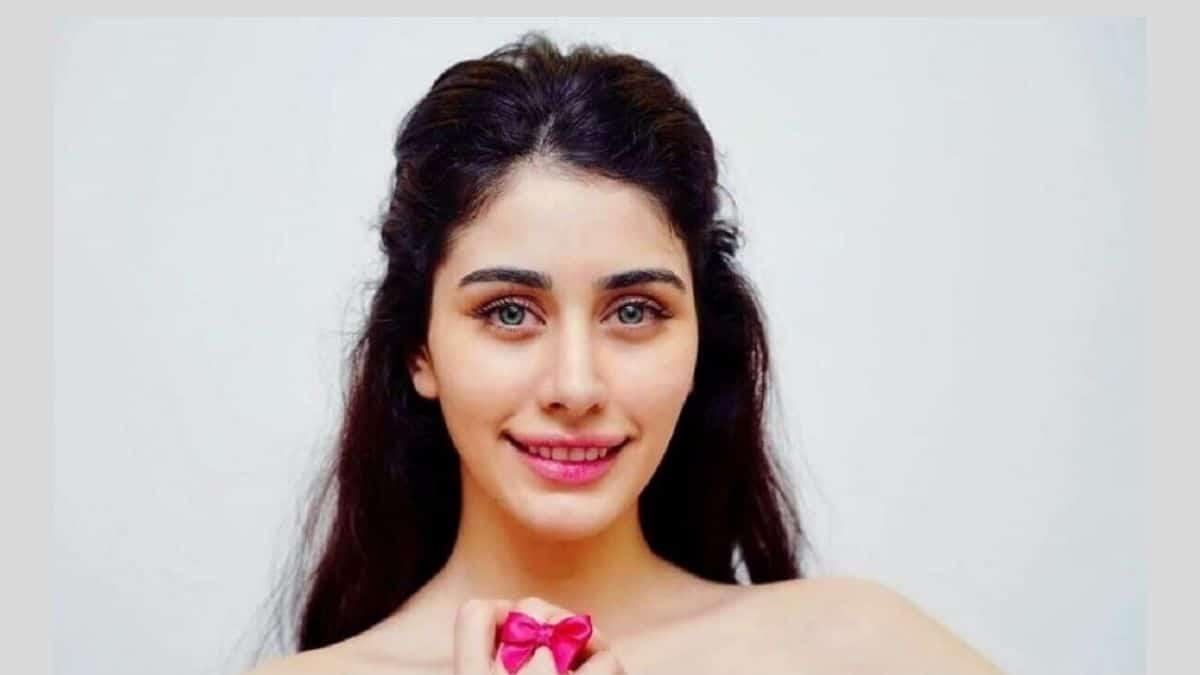 Warina-Hussain-photo