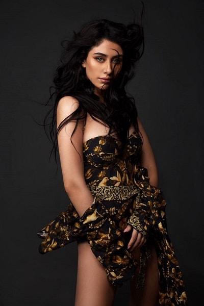 warina-hussain-hot