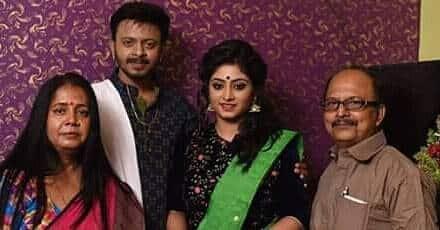 Tiyasha-Roy-Family-and-Husband