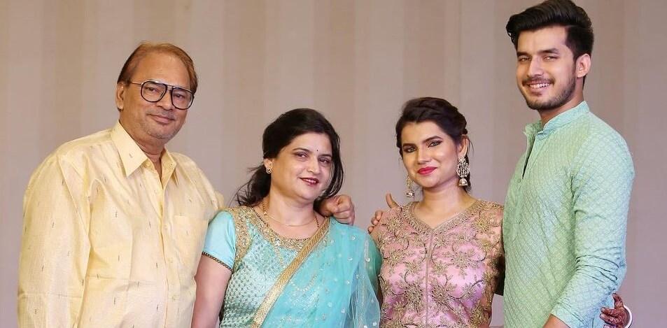 Paras-Kalnawat-family